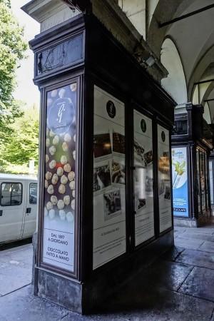 Giordano, vetrina a pilastro, 2017 © Archivio Storico della Città di Torino