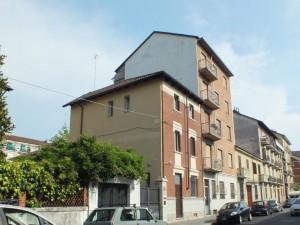 Edificio di civile abitazione in via Brione 24
