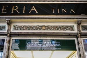 Profumeria Tina Bigiotteria, particolare esterno, 2018 © Archivio Storico della Città di Torino