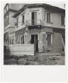 Via Luigi Cibrario angolo Via Medail. Farmacia dell'Ospedale Maria Vittoria. Effetti prodotti dai bombardamenti del 4-5 dicembre 1940. UPA 0911D_9A01-53. © Archivio Storico della Città di Torino