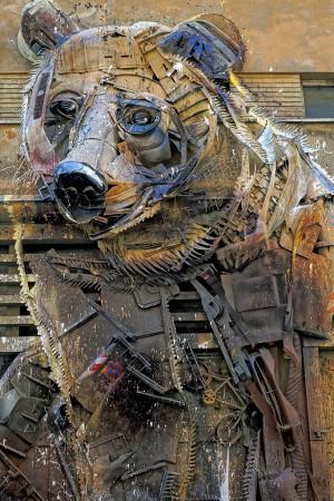 Bordalo II, The big bear, 2016, teatro Colosseo. Fotografia di Roberto Cortese, 2017 © Archivio Storico della Città di Torino