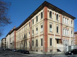 Istituto Povere Figlie di San Gaetano - Lungo Dora Napoli 76 angolo via Piossasco 1. Fotografia di Fabrizio Diciotti, 2014