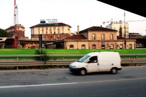 La Stazione Dora nel 2010. L'edificio è visto dal lato che dava verso i binari.