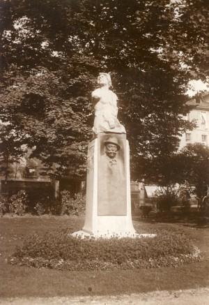 Edoardo Rubino, Monumento a Casimiro Teja, 1903. Fotografia di Mario Gabinio, 1925 ca. © Fondazione Torino Musei - Archivio fotografico.