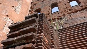 Particolare della Porta Palatina (2). Fotografia di Plinio Martelli, 2010. © MuseoTorino.