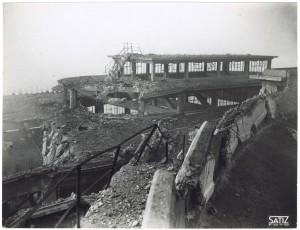 FIAT Lingotto Via Nizza. Effetti prodotti dai bombardamenti dell'incursione aerea dell'8-9 dicembre 1942. UPA 2842D_9D02-02. © Archivio Storico della Città di Torino