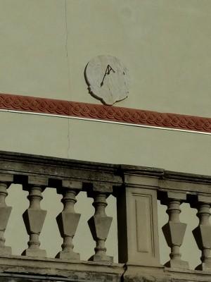 Orologio solare, palazzina in corso Chieri, 7