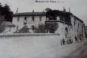 Orologio, casa in corso Casale 220