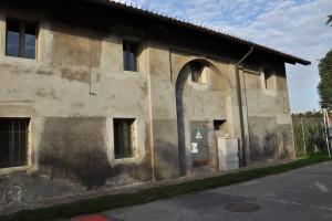 Perticolare del muro perimetrale sud della cascina Marchesa. Fotografia di Ilenia Zappavigna, 2012.