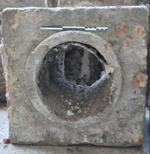 Uno dei blocchi dell'acquedotto, © Soprintendenza per i Beni Archeologici del Piemonte e del Museo Antichità Egizie