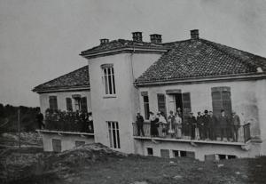 Società Urania. Gita sociale a Pino Torinese, maggio 1911, con l'Osservatorio in costruzione