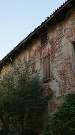 Dettaglio della muratura della Abbadia di Stura. Fotografia di Edoardo Vigo, 2012.