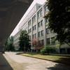 La facciata della palazzina uffici dello stabilimento Valdocco verso corso Mortara. Fotografia di Filippo Gallino, 1999. © Città di Torino