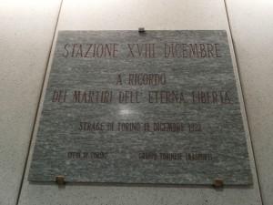 Lapide in memoria delle vittime della strage del XVIII dicembre
