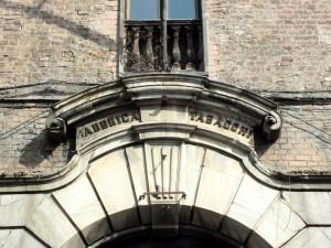 Fabbrica Tabacchi, dettaglio della facciata. Fotografia di Paola Boccalatte, 2014. © MuseoTorino
