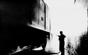 OGR. Grande riparazione di un locomotore elettrico trifase E.432: lavaggio della Cassa, anni '50-'60. Collezione Gian Carlo Franceschetti. © Museo Ferroviario Piemontese per MuseoTorino