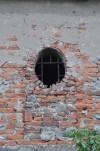 Particolare del muro della cascina Lamarmora. Fotografia di Edoardo Vigo, 2012