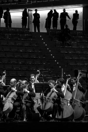 SettembreMusica 2006, Serata inaugurale con Coro e Filarmonica della Scala al Palaolimpico (Isozaki). Fotografia di Lorenzo Avico, 02.09.2006. Archivio fotografico MITO SettembreMusica - Archivio storico della città di Torino.