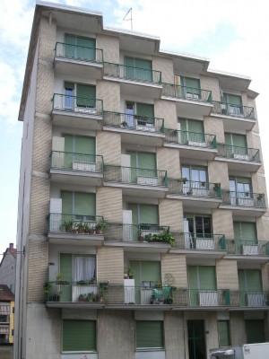 Edificio di civile abitazione in via Aosta 80