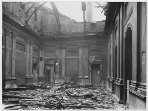 Via dell'Accademia Albertina, 6. Palazzo dell'Accademia Albertina. Effetti prodotti dai bombardamenti dell'incursione aerea dell'8-9 dicembre 1942. UPA 2613_9C03-44. © Archivio Storico della Città di Torino