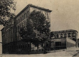 L'edificio nei primi anni del Novecento. © Archivio Istituto tecnico industriale Amedeo Avogadro