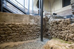 I reperti appartenenti alla chiesa di Santa Maria (2). Museo diocesano. Fotografia di Marco Saroldi, 2010. © MuseoTorino.