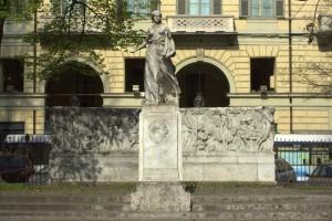 Monumento a Edmondo De Amicis