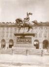 Carlo Marocchetti, Monumento ad Emanuele Filiberto, 1838. Fotografia di Mario Gabinio, 14 maggio 1924. Fondazione Torino Musei, Archivio Fotografico, Fondo Mario Gabinio. © Fondazione Torino Musei