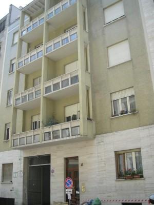 Edificio di civile abitazione Via Amerigo Vespucci 41. Fotografia di Daniele Trivella, 2013