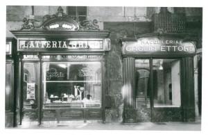 L'antica Latteria Ghigo, 1945-1947, (riproduzione da libro: L. Artusio, M. Bocca, M. Governato, 2005, p. 227, n.227)