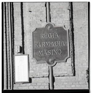 Regia farmacia Masino, insegna esterna, 1998 © Regione Piemonte