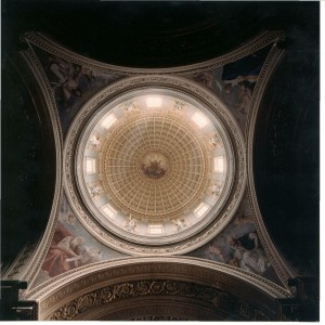 Francesco Gonin (1808-1889), Padri della Chiesa e angeli, ciclo di affreschi sui pennacchi all'imposta della cupola, 1852, chiesa di San Massimo. Fotografia del 2002