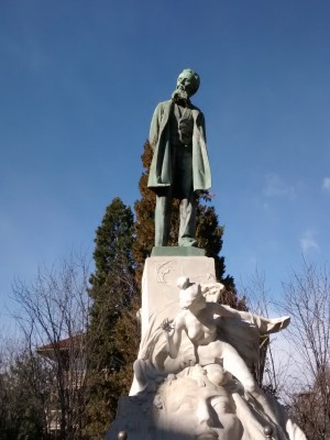 Monumento a Galileo Ferraris