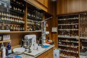 Regia Farmacia XX Settembre, laboratorio, 2017 © Archivio Storico della Città di Torino