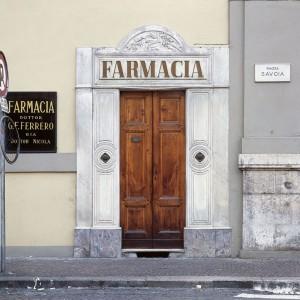Farmacia Collegiata Ferrero, esterno, Fotografia di Marco Corongi, 2005 ©Politecnico di Torino