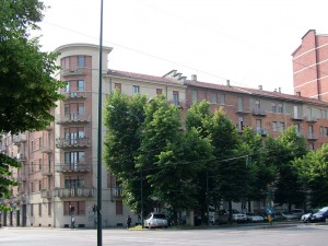 Edificio di civile abitazione in corso Lecce 64