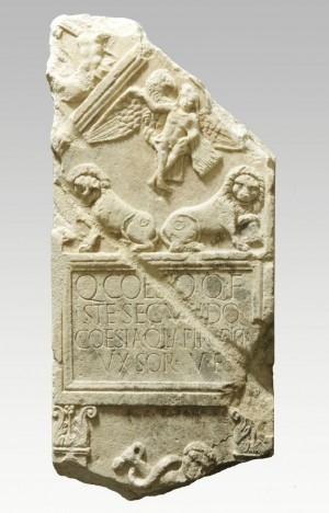 Stele funeraria da corso Palermo, Museo di Antichità © Soprintendenza per i Beni Archeologici del Piemonte e del Museo Antichità Egizie (foto G. Lovera).