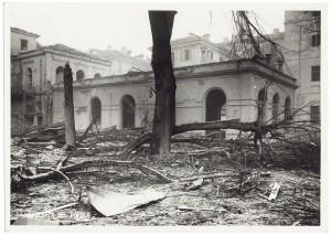 Regia Università, Facoltà di Magistero, Via della Cittadella 3. Effetti prodotti dai bombardamenti dell'incursione aerea del 9 dicembre 1942. UPA 3022D_9D02-46. © Archivio Storico della Città di Torino