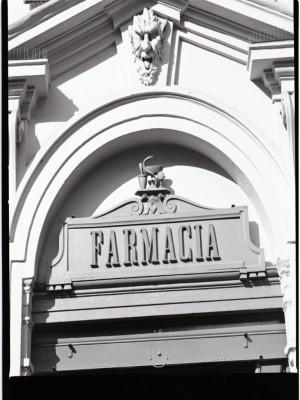 Farmacia Bestente, insegna, 1998 © Regione Piemonte