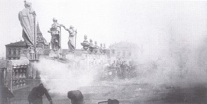Incursione del 17 agosto 1943, il tetto di Palazzo Madama in fiamme. © Archivio Storico AMMA