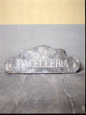 Macelleria Lovera, bancone (part.), 1998 © Regione Piemonte