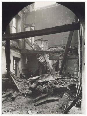 Villa della Regina. Effetti prodotti dal bombardamento dell'incursione aerea del 20-21 novembre 1942. UPA 2202_9B06-35. © Archivio Storico della Città di Torino