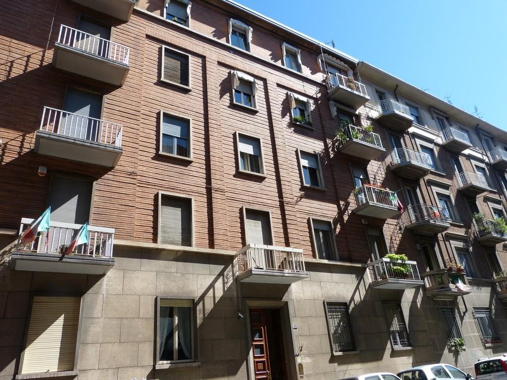 Edificio di civile abitazione in via pietro piffetti 22 for Tipi di abitazione