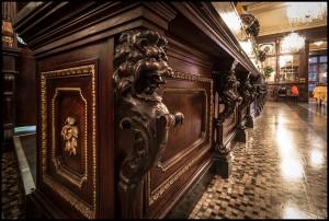 Baratti & Milano, particolare del bancone nella sala ottocentesca, 2016 © Archivio Storico della Città di Torino