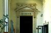 Porta d'ingresso a una delle sale del Museo Egizio. Fotografia di Dario Lanzardo, 2010. © MuseoTorino.