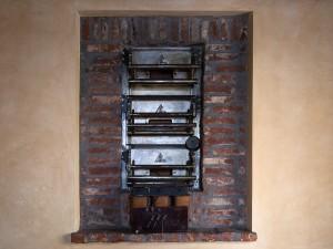 Abrate, bar-tavola calda; ex pasticceria. Particolare del forno con ingranaggi, 2017 © Archivio Storico della Città di Torino