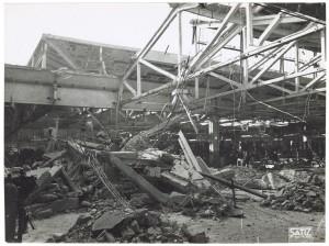 FIAT Autocentro - Stabilimento di Mirafiori. Effetti prodotti dal bombardamento dell'incursione aerea del 20-21 novembre 1942. UPA 2202_9B06-24. © Archivio Storico della Città di Torino