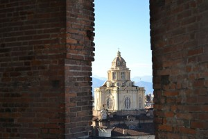 La chiesa vista da Palazzo Madama. Fotografia di Laura Tori, 2011