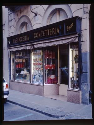 Frasca confetteria pasticceria, Devanture, 1998 © Regione Piemonte