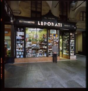 Leporati Elettrodomestici Radio-TV, esterno, 1998 © Regione Piemonte